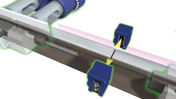Lateral alignment of the rails using lining cylinders
