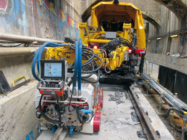 TSO during welding work on Europe's largest construction project Crossrail