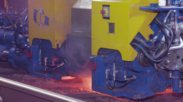 The APT 1500 R welding robot has introduced a new era in rail welding.