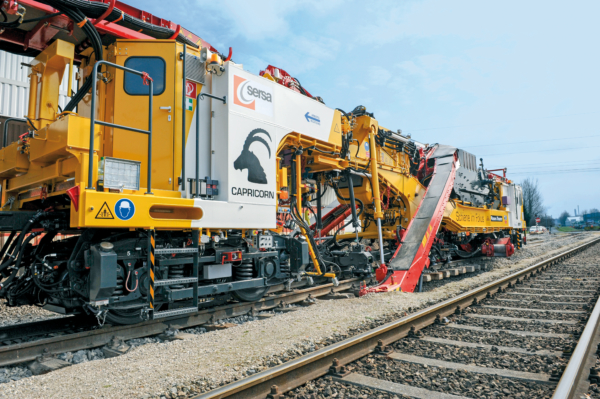 Ballast cleaning in the Alps: the RM 76 SM