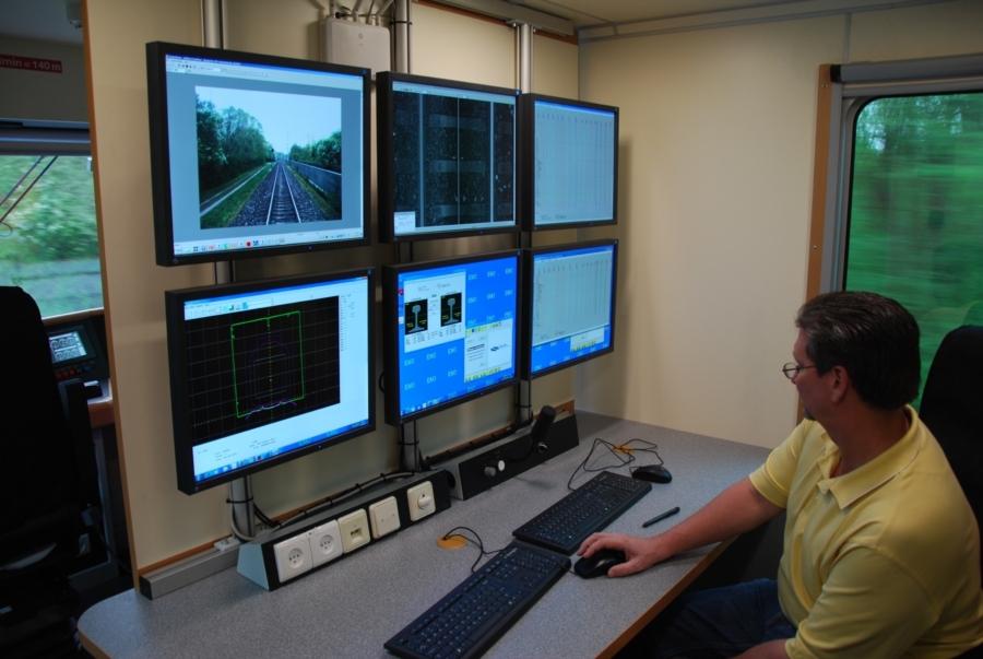 EM120H in Israel, simultaneous recording of various track parameters