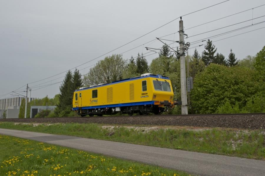 EM80H in Gabun, measuring speed from 0 to 80 km/h