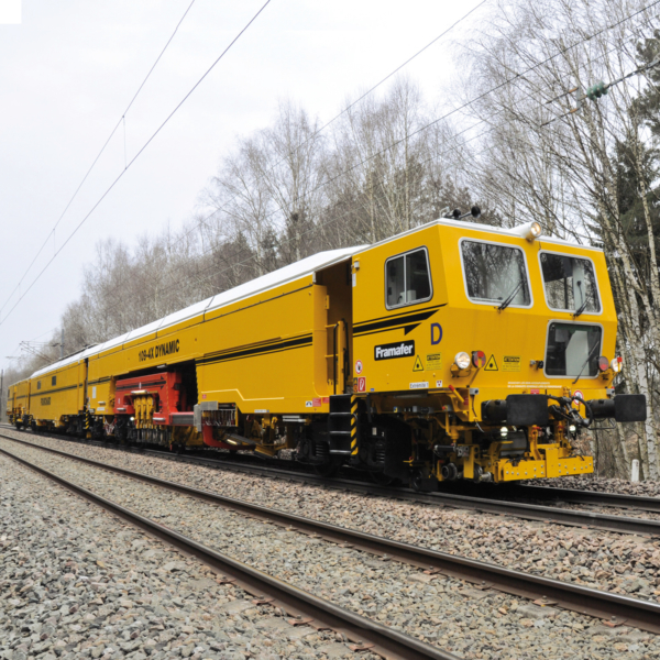 France – the most productive tamping machine in the world in service on high-capacity lines