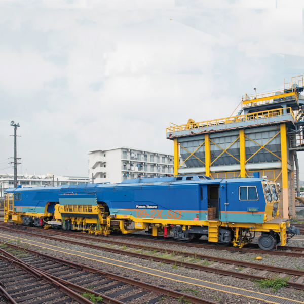 Japan – continuous action 2-sleeper tamping with sound insulation on the Shinkansen line using the 09-2X SD