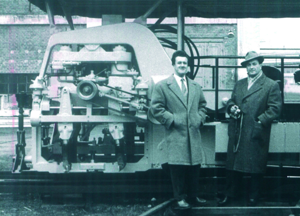 In 1953, Franz Plasser and Josef Theurer made a decisive leap in the quality of tamping technology with the development of the first hydraulic tamping unit.